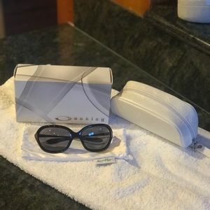 *NEW* AUTHENTIC OAKLEY WARM UP SUNGLASSES